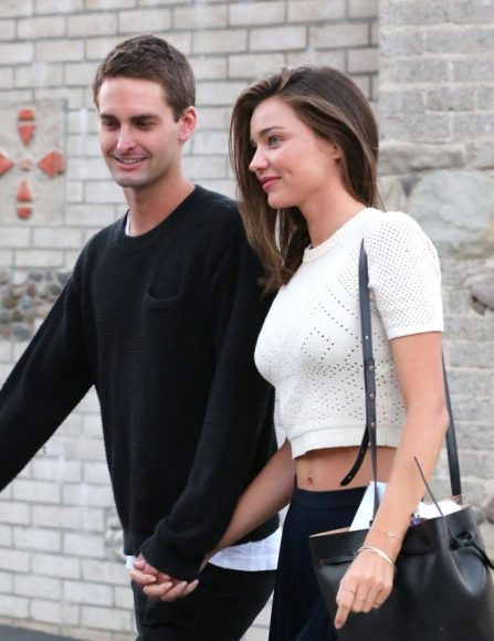 miranda-kerr-with-evan-spiegel-out-in-malibu-04-662x859